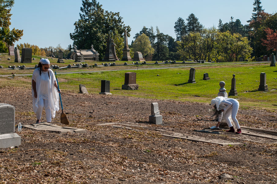 Shy Hamilton and CCA Students Sweeping the Cemetery, 2017